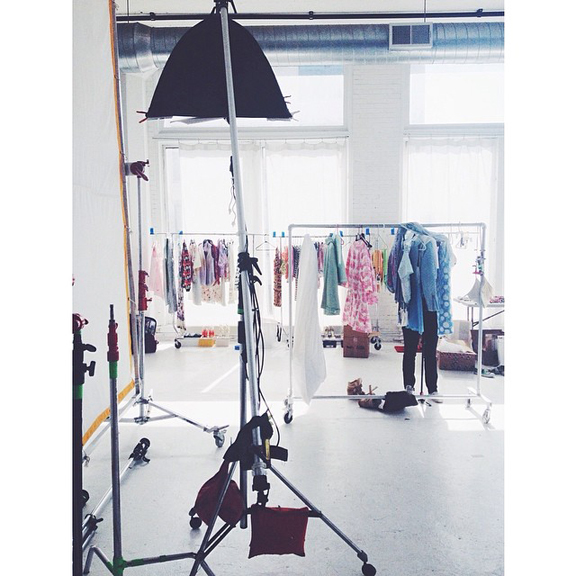 Chicago-Fashion-Photographer_Jennifer-Avello_for_Glossed-and-Found-SPRING-FASHION_Style-Academy_BTS_002