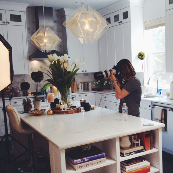 International-Portrait-Photographer_Jennifer-Avello_for_Embark-Magazine-Canada_featuring_HGTV-and-DIY-Networks_Alison-Victoria_Behind-the-scenes_001