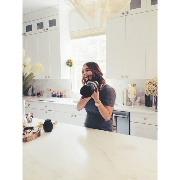 International-Portrait-Photographer_Jennifer-Avello_for_Embark-Magazine-Canada_featuring_HGTV-and-DIY-Networks_Alison-Victoria_Behind-the-scenes_007