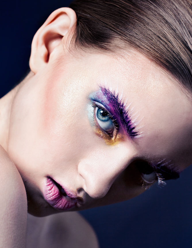 beauty image with a focus on eyeshadow and eyebrows